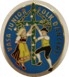 Enamel pin with two dancers around a Maistang